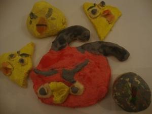 Angry birdseja sekä tietysti Angry birdsin muna