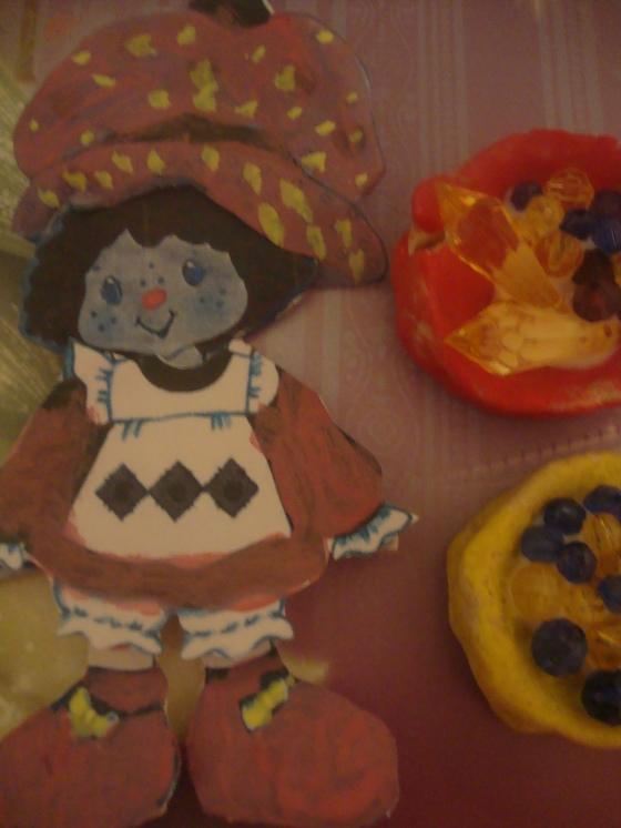 Mansikka Marja & Petsien ruoka-astiat